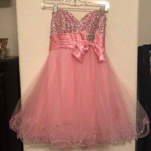 Pink prom dress. Rhinestones. Sweetheart neck.